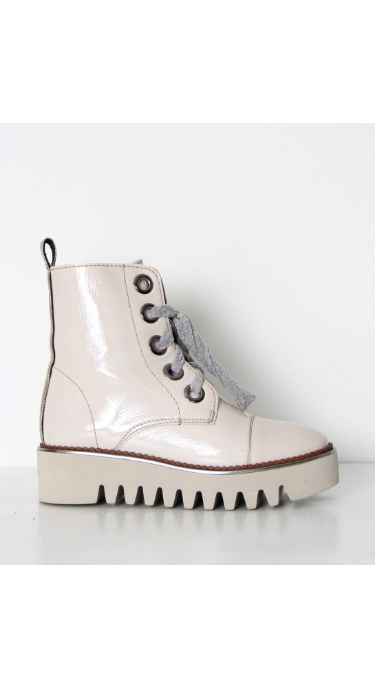 Alpe Polar Boots Patent Leather Off White