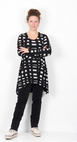 Capri Clothing Button Tunic Geo Print Ivory Black.