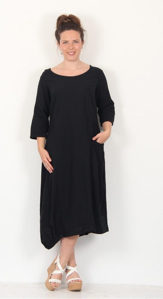 Cut Loose Clothing Asymetric Pocket Dress Black