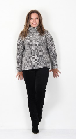 Fisherman Out of Ireland Shadow Block High Neck Sweater Pebble Charcoal