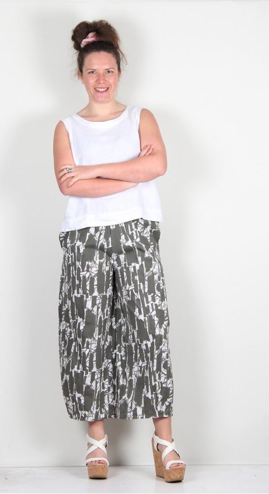 Mama B Pino PS Cropped Pant Thyme Print