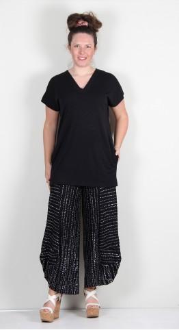 Q-Neel V Neck Fine Knit Top Black