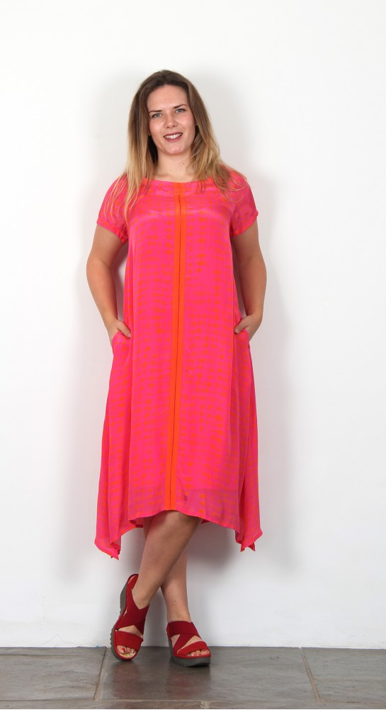 Sahara Clothing Two Tone Graphic Dress Magaenta