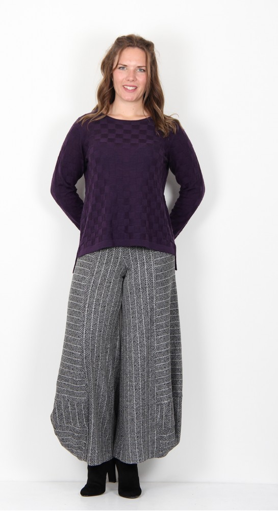 Two Danes Millie Textured Check Knit Blackberry