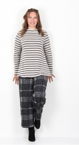 Vetono Fleece Knit A-Line Top Taupe Stripe